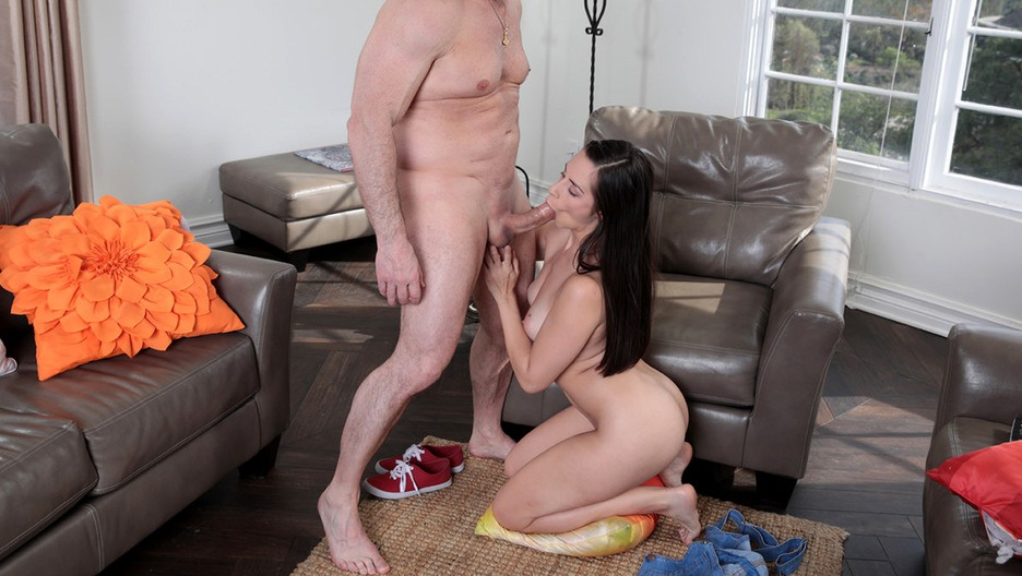 $5.00 - Family Hookups Discount